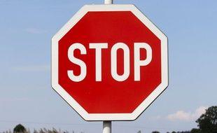 Illustration: un panneau Stop.