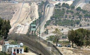 La frontière grillagée séparant le Maroc de l'enclave espagnole de Melillale 9 juillet 2014
