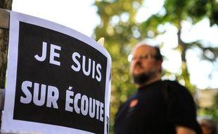 Une manifestation contre la surveillance de masse, le 8 juin 2015 à Toulouse.