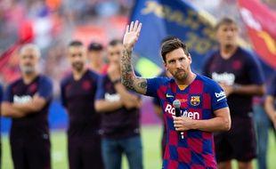 Lionel Messi derrière le mike'