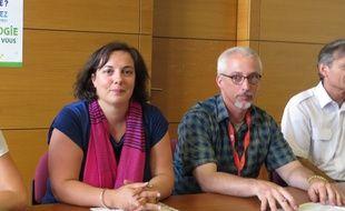A Pessac, le 20 aout 2014, Emmanuelle Cosse secretaire nationale des Verts est venue presenter les journees d'ete des ecologistes aux cotes de Stephane Saubusse, secretaire regional.