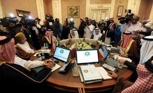 Des ministres du Golfe à Ryad le 7 décembre 2015 avant une réunion sur le conflit syrien
