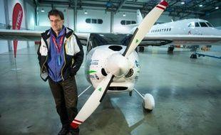 Le biologiste slovène Matevz Lenarcic s'est lancé lundi matin depuis la capitale, Ljubljana, dans un voyage écologique vers le Pôle Nord, à bord d'un avion ultra-léger, pour réaliser des mesures de la pollution de l'air dans l'Arctique.