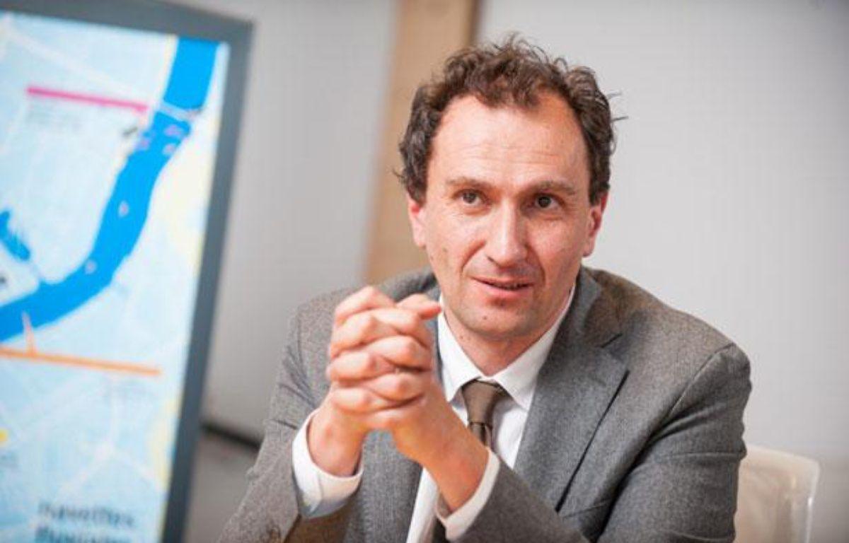 Vincent Feltesse, dans son bureau de président de la Communauté urbaine de Bordeaux, le 11 avril 2013 – S.ORTOLA/20MINUTES