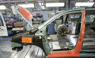 Une usine du groupe PSA dans le Nord (Illustration). Le constructeur automobile français est l'une des entreprises françaises à faire du business en Iran depuis l'accord de 2015 sur le nucléaire iranien.