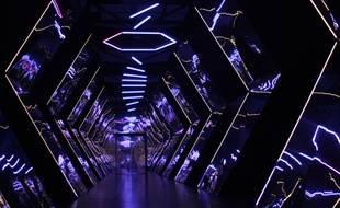 Au coeur du labyrinthe de lumière de Lumonopolis, au Quai des Savoirs, à Toulosouse.