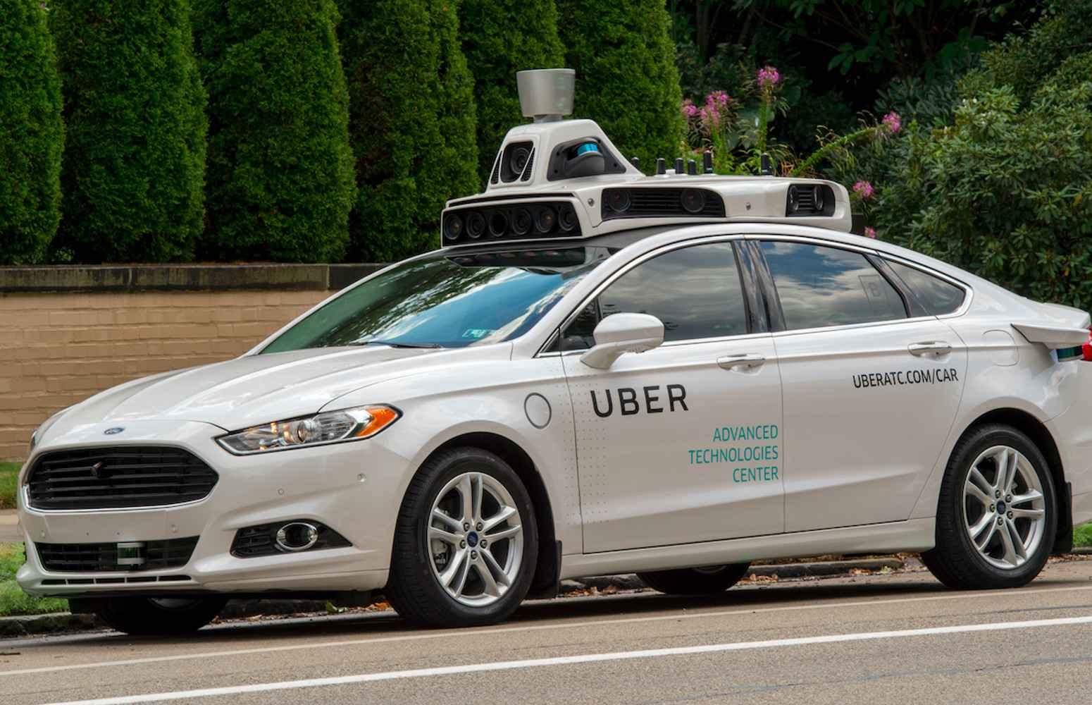 avec ses taxis autonomes uber fonce toute vitesse pour. Black Bedroom Furniture Sets. Home Design Ideas