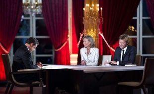 Les négociations sur les accords dits de compétitivité-emploi, voulus par Nicolas Sarkozy pour accroître la flexibilité du temps de travail et des salaires, débuteront le 17 février, a-t-on appris vendredi auprès de plusieurs syndicats.