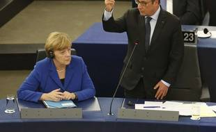 Angela Merkel et François Hollande se sont exprimés face aux députés européens mercredi 7 octobre 2015 à Strasbourg.