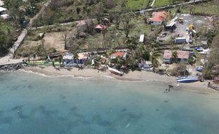 Survol de l'archipel des Saintes après le passage du cyclone en Guadeloupe, le 21 septembre 2017.