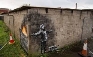La nouvelle oeuvre de Banksy sur les murs de Port Talbot au Pays de Galles.