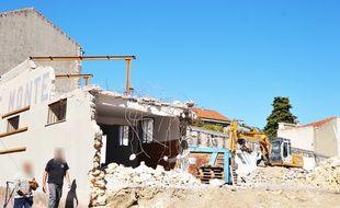 La destruction d'une ancienne parfumerie, près de l'école Florian, à Montpellier.