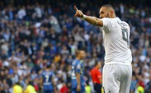 Karim Benzema fête son but lors du match entre le Real Madrid et Getafe le 5 décembre 2015.