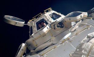 L'astronaute Thomas Pesquet dans la coupole d'observation panoramique de la Station spatiale internationale (ISS), en mars 2017.