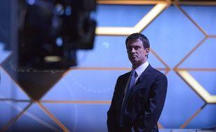 Manuel Valls était sur le plateau de Vie Politique, sur TF1, dimanche 3 juin 2016.
