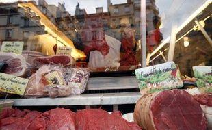 Au moment où la classe politique s'écharpe sur la viande halal, les bouchers français traditionnels sont confrontés à un autre problème: impossible de trouver du sang neuf, ce qui pourrait menacer à terme la survie de leur commerce et du métier.