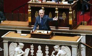 """Le Premier ministre Jean-Marc Ayrault a confirmé mardi les grandes lignes d'une réforme fiscale qui donnera le coup de grâce au dernières reliques de la politique de son prédécesseur, promettant que """"les classes populaires et les classes moyennes seront épargnées""""."""