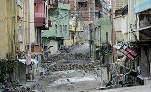 Une rue de Silvan, au sud de la Turquie, après des heurts entre des militants kurdes et les forces turques, le 10 novembre 2015