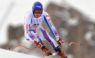 Le skieur français Jean-Baptiste Grange, lors de l'entraînement à la descente des championnats du monde de Val d'Isère, le 5 février 2009.