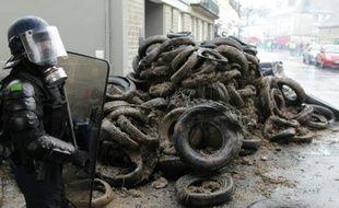 A Saint-Lô, agriculteurs en colère et forces de l'ordre ont échangé pendant plus de deux heures projectiles contre gaz lacrymogènes
