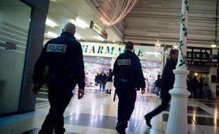 """Saint-Denis (Seine-Saint-Denis), Cayenne (Guyane), les quartiers nord de Marseille mais également Amiens (Somme) ou encore Vauvert (Gard) ont été choisis pour faire partie des """"quinze zones de sécurité prioritaires"""", révèle Le Parisien/Aujourd'hui-en-France samedi."""