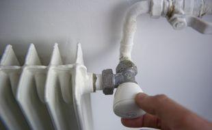 Paris le 28 mars 2011. Illustration hausse du prix du gaz et radiateur a gaz.