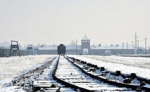 Des voies ferrées dans le camp de Auschwitz-Birkenau, le 27 janvier 2014