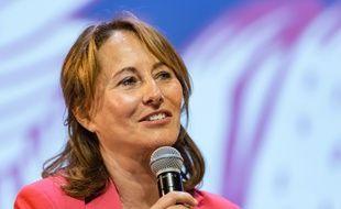 Ségolène Royal s'exprime, ici, sur le thème de l'environnement à l'occasion du Festival Atmosphères, à Courbevoie (Hauts-de-Seine).