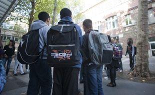 Les adolescents sont de plus en plus négatifs sur leur avenir et ont peur à 62 % d'être pauvres eux-mêmes selon une étude du Secours populaire. (photo illustration)