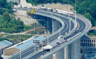 Préparatifs pour l'inauguration du pont San Giorgio à Gênes, le 1er août 2020