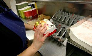 L'employée du fast-food a été menacée de mort à plusieurs reprises par un client mécontent.