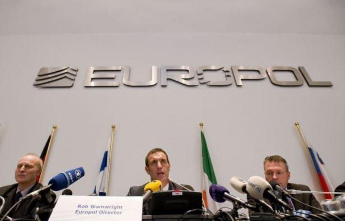 Les 300 nouveaux matches suspects révélés par la vaste enquête d'Europol sur les rencontres arrangées dans le monde du football ont eu lieu en Afrique, Asie et Amérique latine, a indiqué jeudi l'enquêteur en chef de la police de Bochum (Allemagne), Friedhelm Althans. –  afp.com