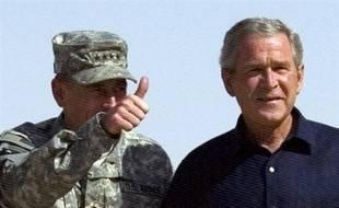 Les Américains veulent voir leurs soldats commencer à rentrer, les démocrates y emploient toute leur force, et l'Irak s'annonce comme la grande affaire de la présidentielle de 2008, mais, aujourd'hui, c'est encore George W. Bush qui décide, estiment les experts.