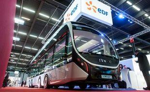 Le nouveau concept de bus 100% électrique, Ellisup, présenté le mercredi 27 novembre 2013 à Bordeaux.