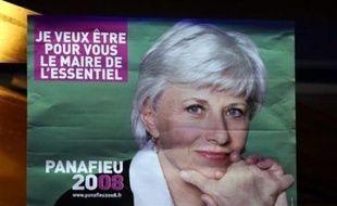A quatre mois des municipales, l'UMP n'a toujours pas finalisé ses listes à Paris, où trois des vingt têtes de liste manquent encore à l'appel, alors que Françoise de Panafieu peine à concrétiser sa volonté de renouvellement par l'ouverture, la parité et la diversité.u