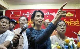 « Il faut vous battre pour ce qui est juste », a lancé l'opposante Aung San Suu Kyi, hier.