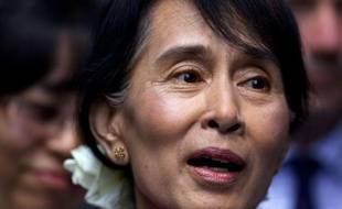 L'opposante birmane Aung San Suu Kyi est attendue mardi à Paris, dernière étape d'une triomphale tournée européenne au cours de laquelle la Dame de Rangoun sera reçue par le président François Hollande et célébrée pendant trois jours à l'égal d'un chef d'Etat.