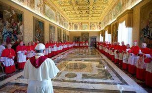 Le pape François a accepté mardi la démission d'un évêque irlandais, Mgr William Lee, qui avait demandé de se retirer en raison d'une grave maladie et qui avait exprimé ses regrets pour n'avoir pas bien réagi dans un cas de prêtre pédophile.