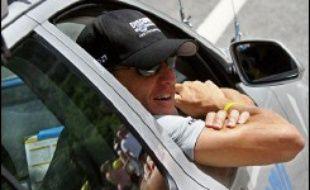 Quant à l'Américain Lance Armstrong, qui a toujours nié s'être dopé, il a été accusé l'an passé à propos de sa première des sept victoires (1999) sur la base d'échantillons qui contiendraient de l'EPO.