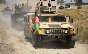 Cette prise le 8 juillet 2019 montre un véhicule militaire lors d'une opération militaire dans le district de Chaparhar, dans la province de Nangarhar, en Afghanistan.