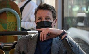 Yannick Jadot, le 1er mars 2021 dans le RER.