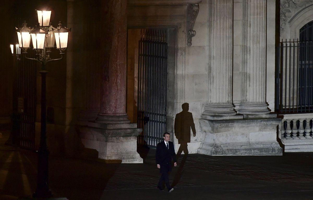 Paris, le 7 mai 2017. Emmanuel Macron, élu président de la République, fait son entrée sur l'Esplanade du Louvre. – Philippe LOPEZ / AFP