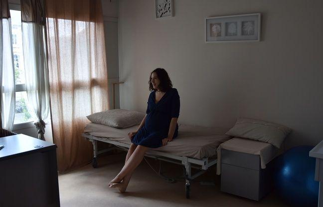 Margaux est reçue dans une des deux salles de consultations de cette maison de naissance à la maternité des Bleuets.