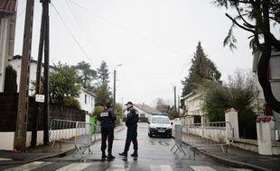 La rue d'Auteuil et celle qui y mène sont bouclées depuis deux jours