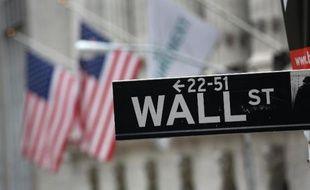 Wall Street est repartie à la baisse mercredi, la décision de la Réserve fédérale (Fed) de poursuivre la réduction de son aide monétaire n'apaisant pas les craintes pour les pays émergents: le Dow Jones a perdu 1,16% et le Nasdaq 1,14%.