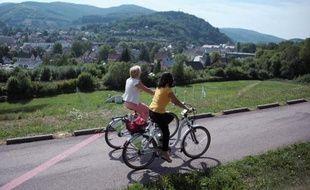 Avec déjà quelque 400.000 adeptes en Europe, notamment en Autriche, en Allemagne et aux Pays-Bas, le vélo électrique à louer débarque sur les pistes françaises avec le premier réseau de location et de recharge, en Alsace.