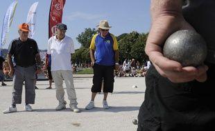 Le Mondial de pétanque attire chaque année des milliers de boulistes à Marseille.
