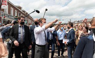 en marge d'un déplacement dans l'Aisne, Emmanuel Macron annonce un concert à l'Elysée le 21 juin 2021.