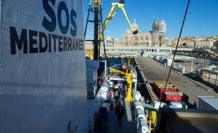 Le navire Aquarius de l'association SOS Méditerranée, avant son départ du port de Marseille