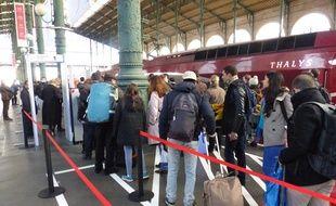 Gare du Nord, on ne monte plus dans un Thalys sans passer au préalable sous un portique de sécurité.